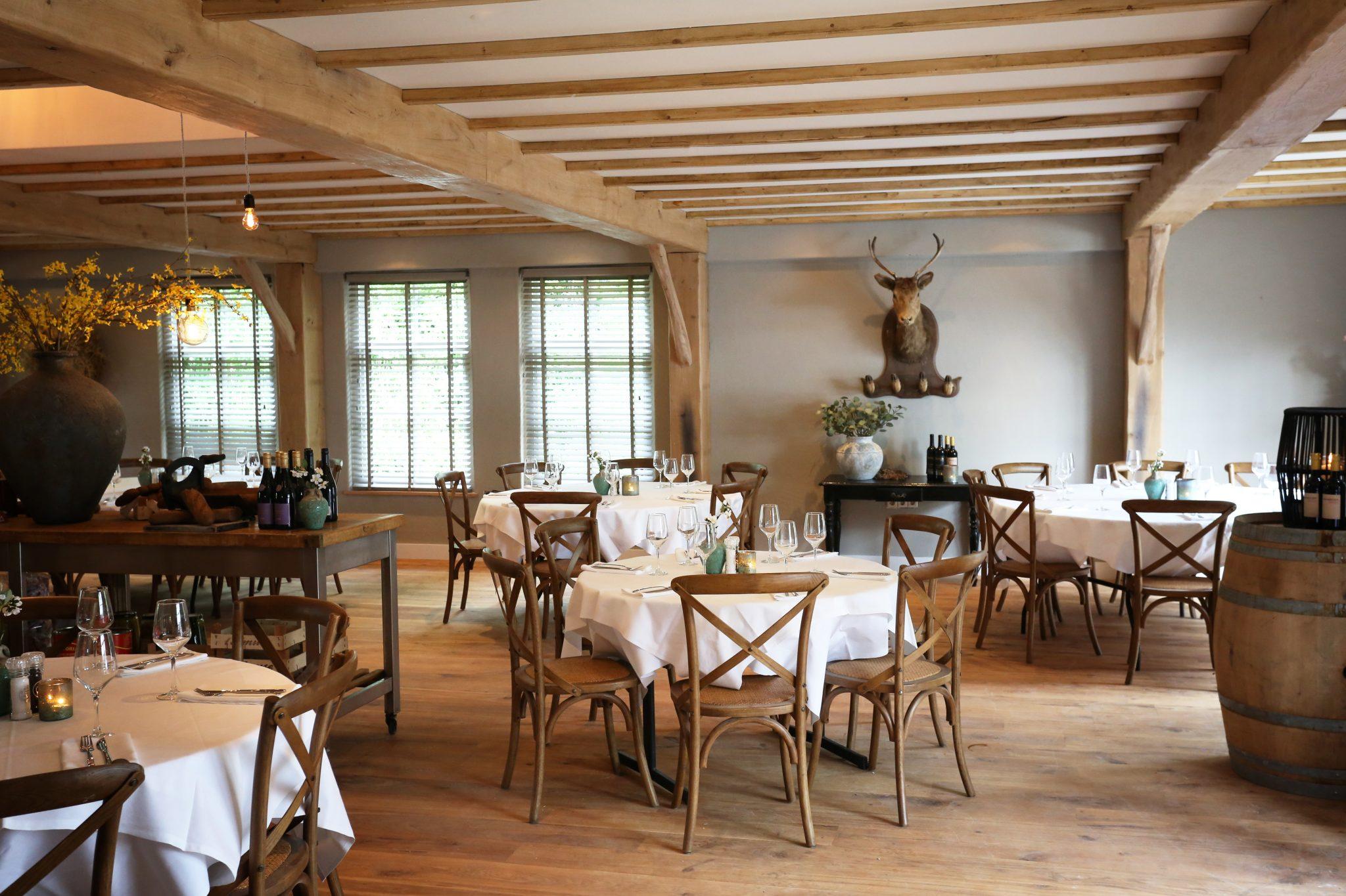 Ronde Tafel Oss.Oss Montimar Restaurant